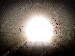 Licht aan het einde van de tunnel — Stockfoto © bradcalkins #12109340